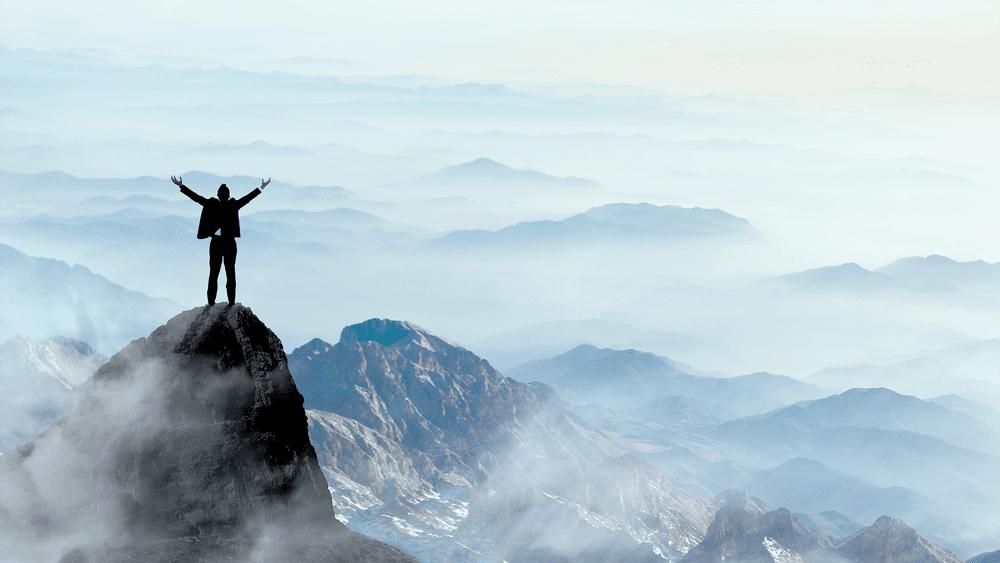 Aktuelle Neuigkeiten zu Loanboox Blog Bild Mensch auf Berg